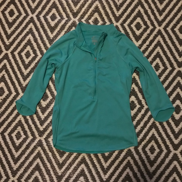 Nike Tops - Women's Nike Dry Fit Half Zip Pullover. Size M.